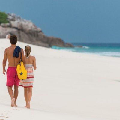 235449-seychelles-promenade-sur-l-i-le-aride
